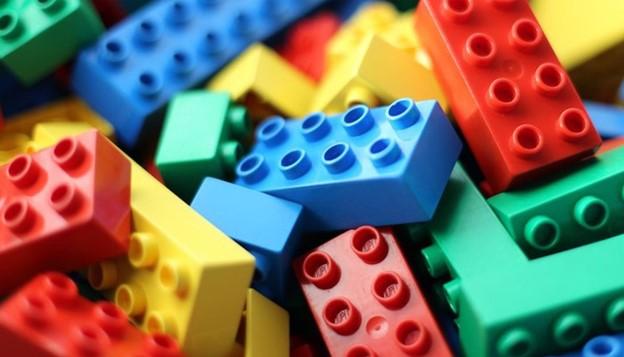 Đồ chơi Lego sản xuất từ nhựa ABS